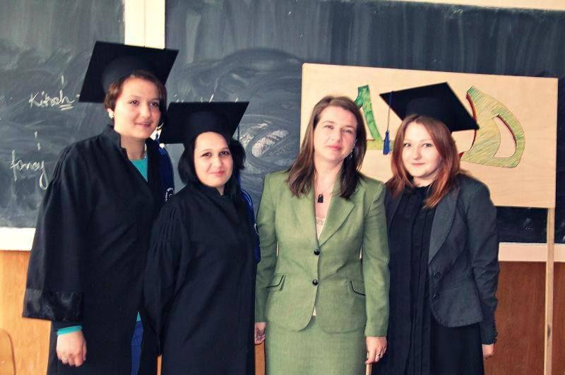Doamna Roxana Roșu, o adevărată profesoară.  Ieri, un elev olimpic, astăzi, un profesor model